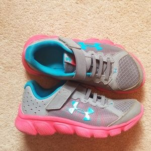 Under Armour Girls' Sneakers